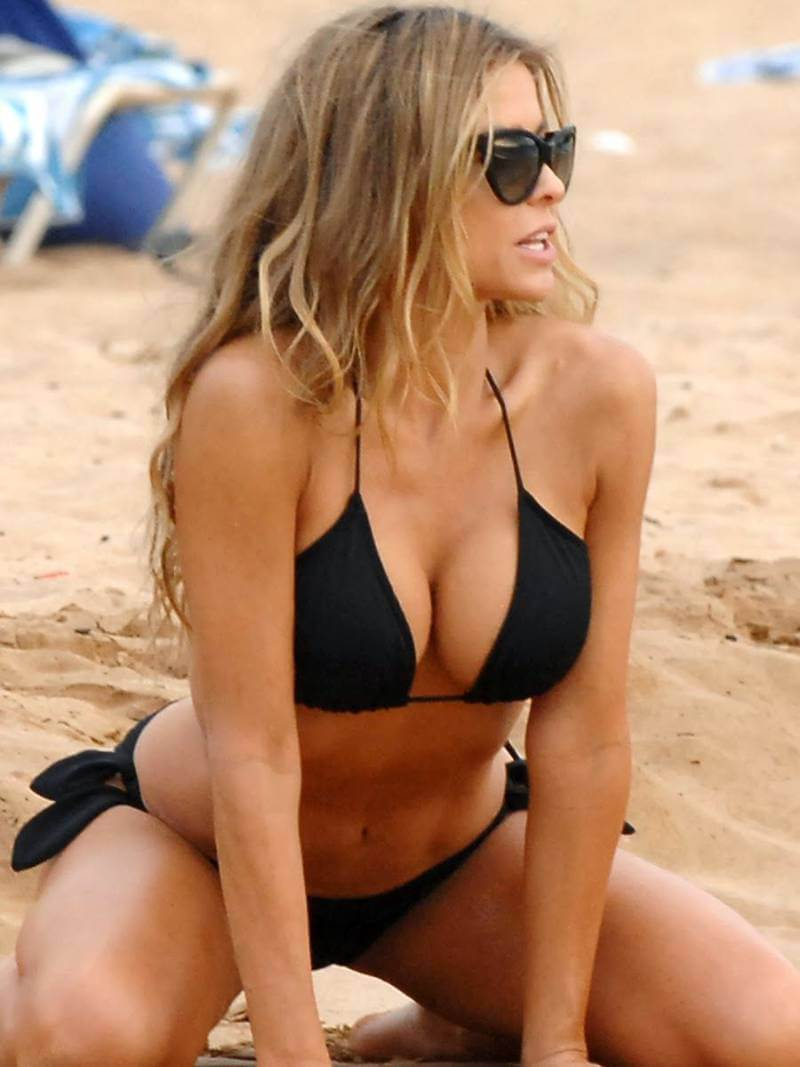 sexy-model-actress-carmen-electra-black-bikini-body