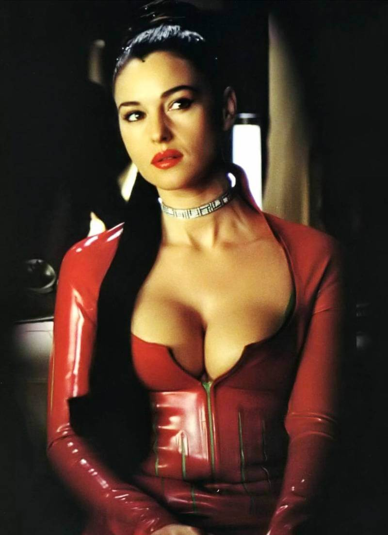 sexy-monica-bellucci-huge-boobs-pictures-in-tight-red-outfit.