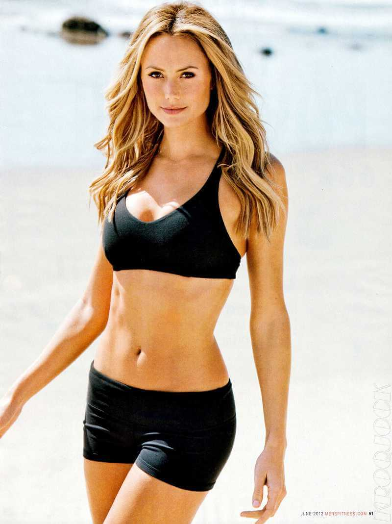 stacy-keibler-beach-pictures-in-bikini