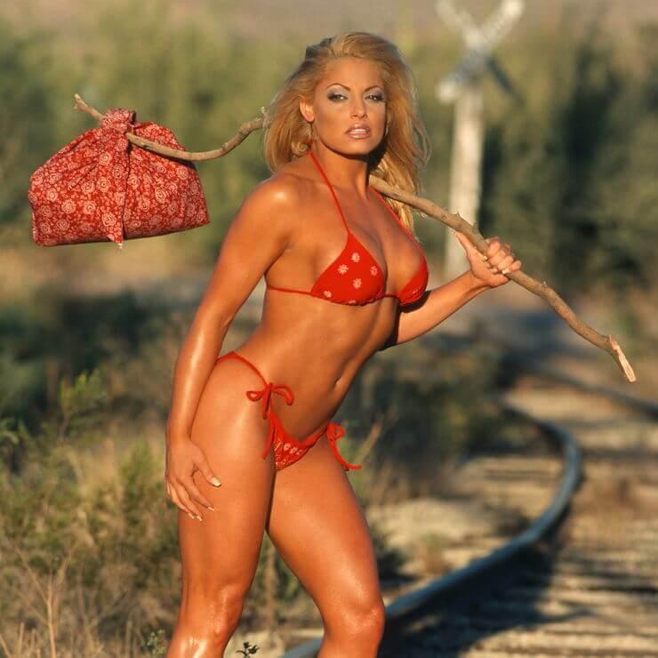 trish-stratus-hot-red-bikini-pictures-in-railway-track