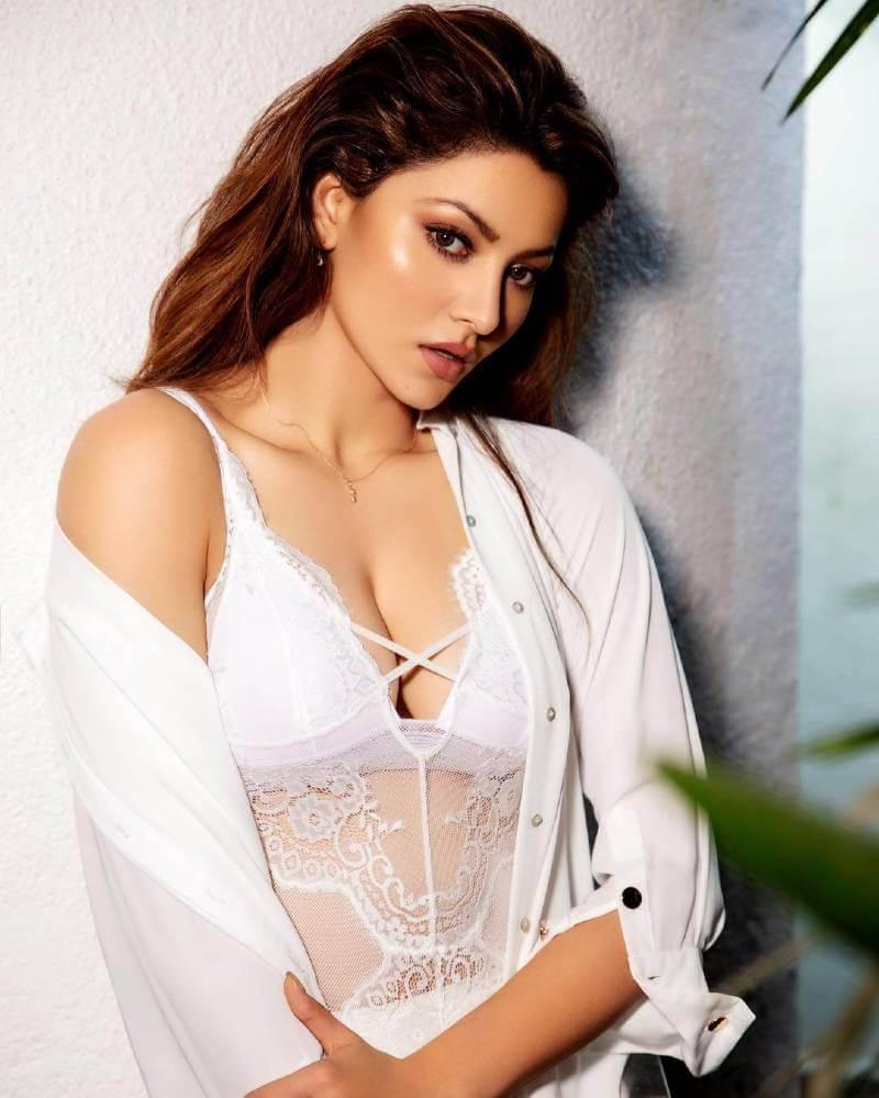 urvashi-rautela-hot-cleavage-pictures-in-white-transparent-top