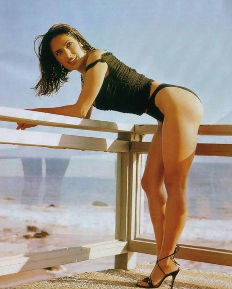 young-salma-hayek-bikini-pictures-showing-butt