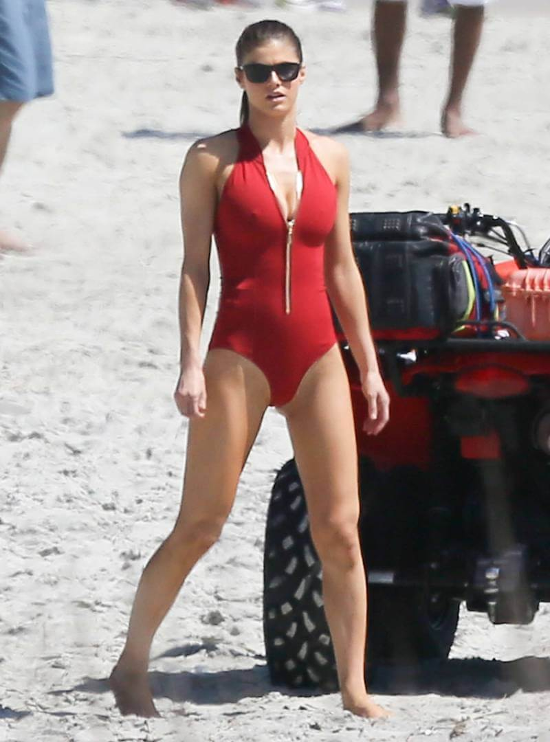 Alexandra-Daddario-Swimsuit-Pics-Filming-Baywatch