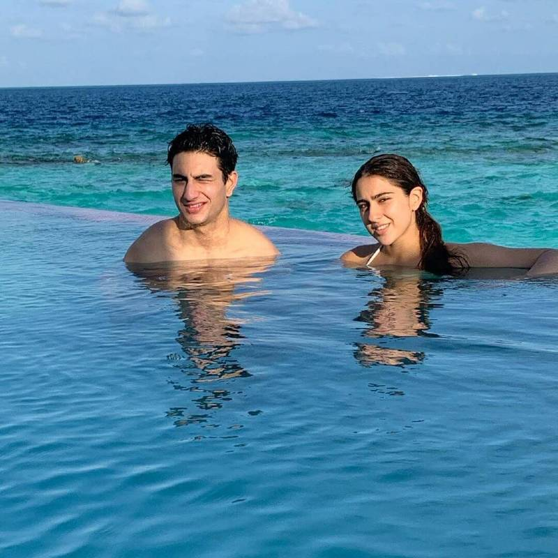 Actress-Sara-Ali-Khan-is-enjoying-her-vacation-with-her-brother-Ibrahim-Ali-Khan