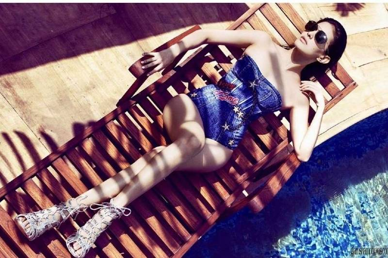 Amyra-Dastur-boobs-are-popping-out-of-her-bikini