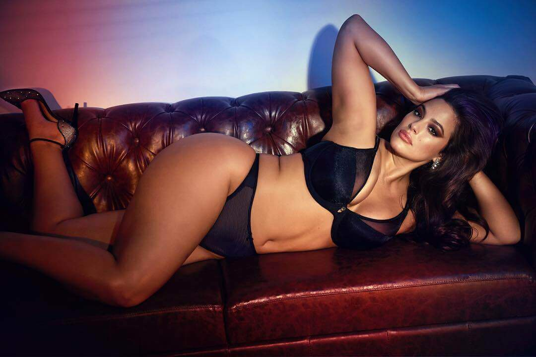 Ashley-Graham-Lingerie-photos-lying-on-couch-display-her-hot-ass