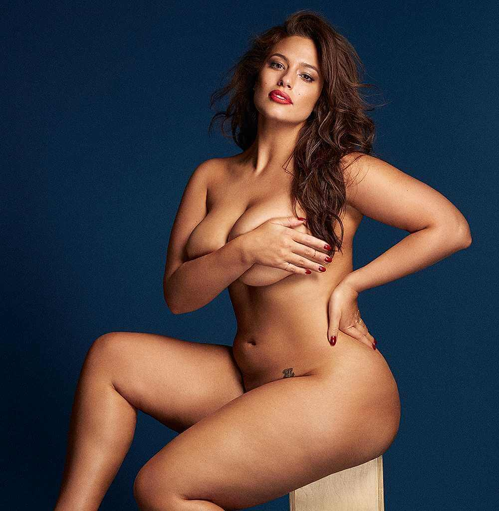 plus-size-model-Ashley-Graham-Naked