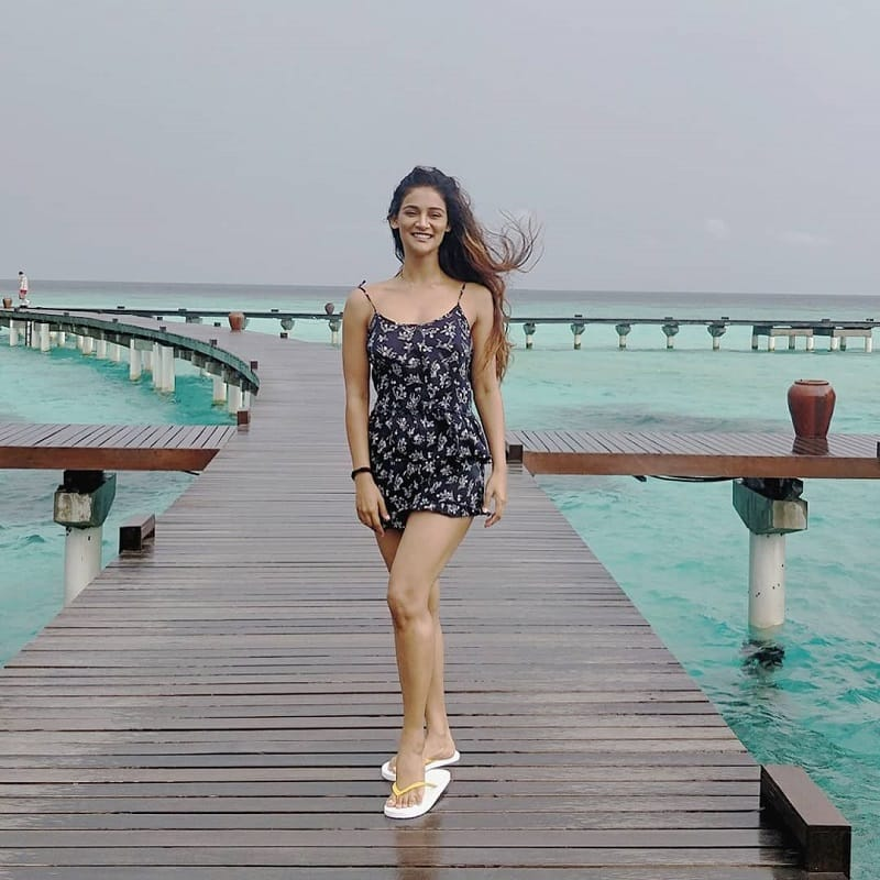 Hot-pictures-of-Mukti-Mohan-in-short-dress