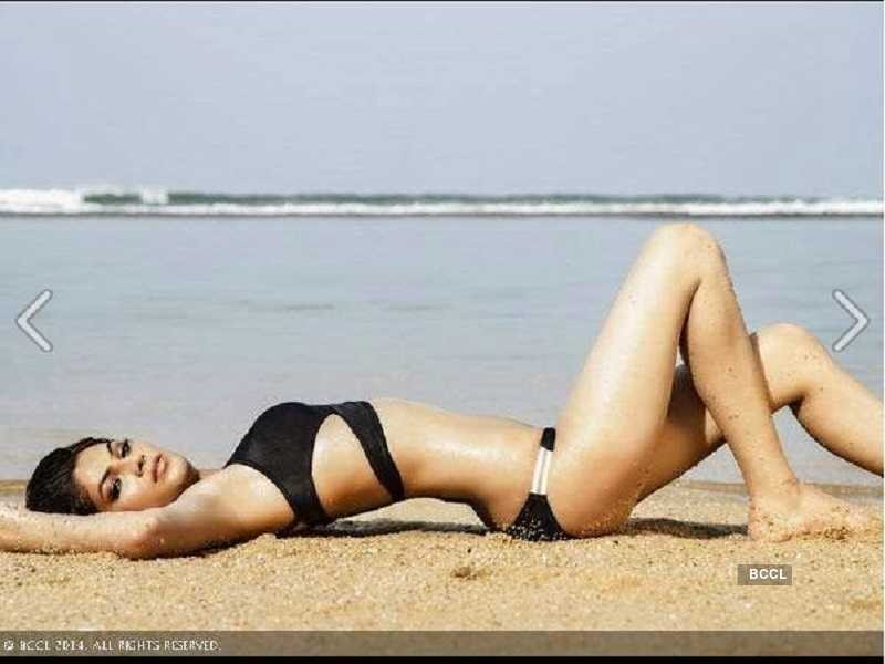Miss-united-continent-lopamudra-raut-bikini-showing-her-hot-curvy-body-butt