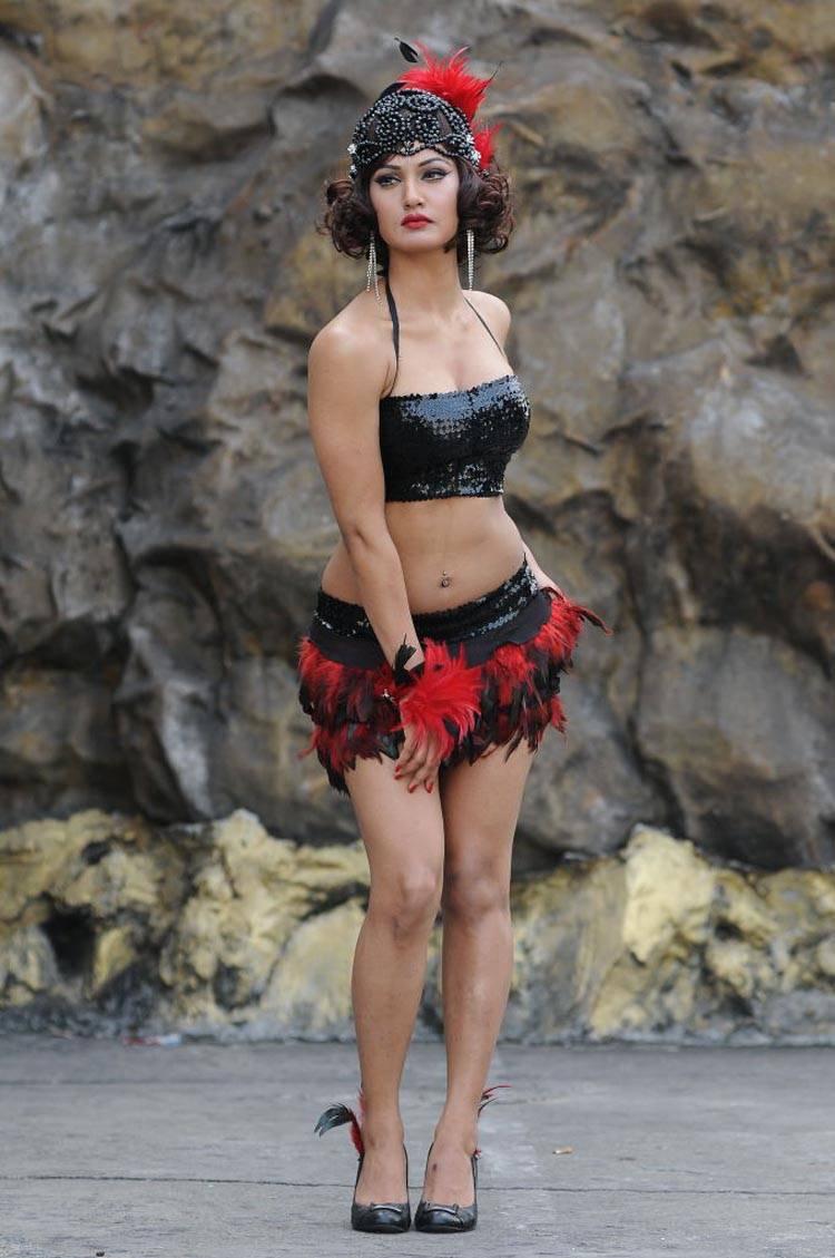 Mukti-Mohan-Latest-Hot-Photo-Shoot-in-short-dress