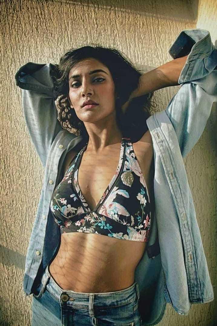 Mukti-Mohan-bikini-top-sexy-photos
