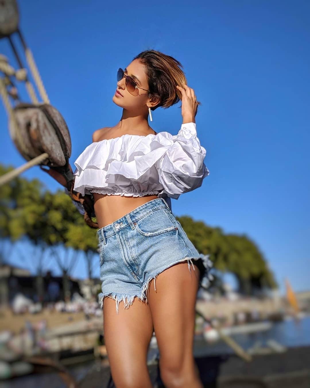Shakti-Mohan-hot-bikini-top-and-denim-shorts-images