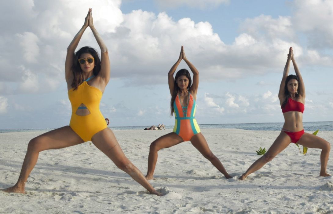 abigail-pande-in-bikini-with-kishwer-merchant-and-sreejita-de