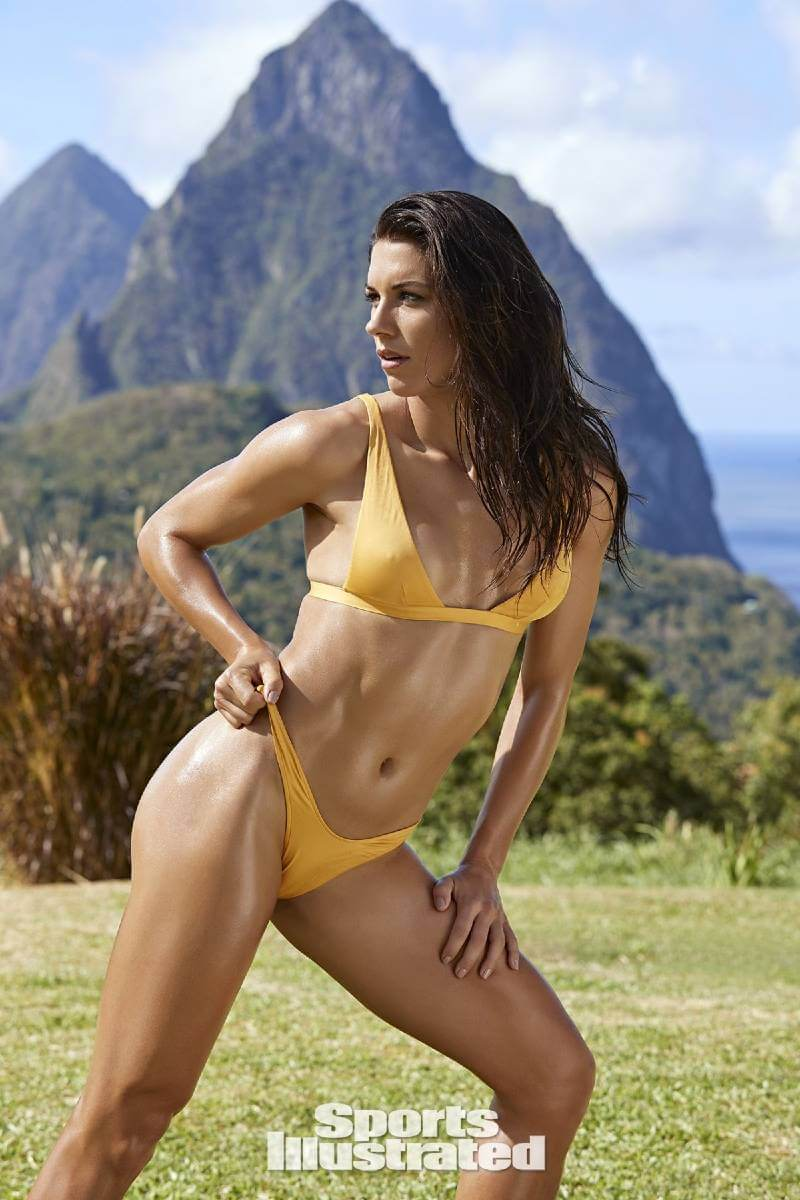 alex-morgan-pushing-her-bikini-pantie-in-sports-illustrated-swimsuit-2019-issue