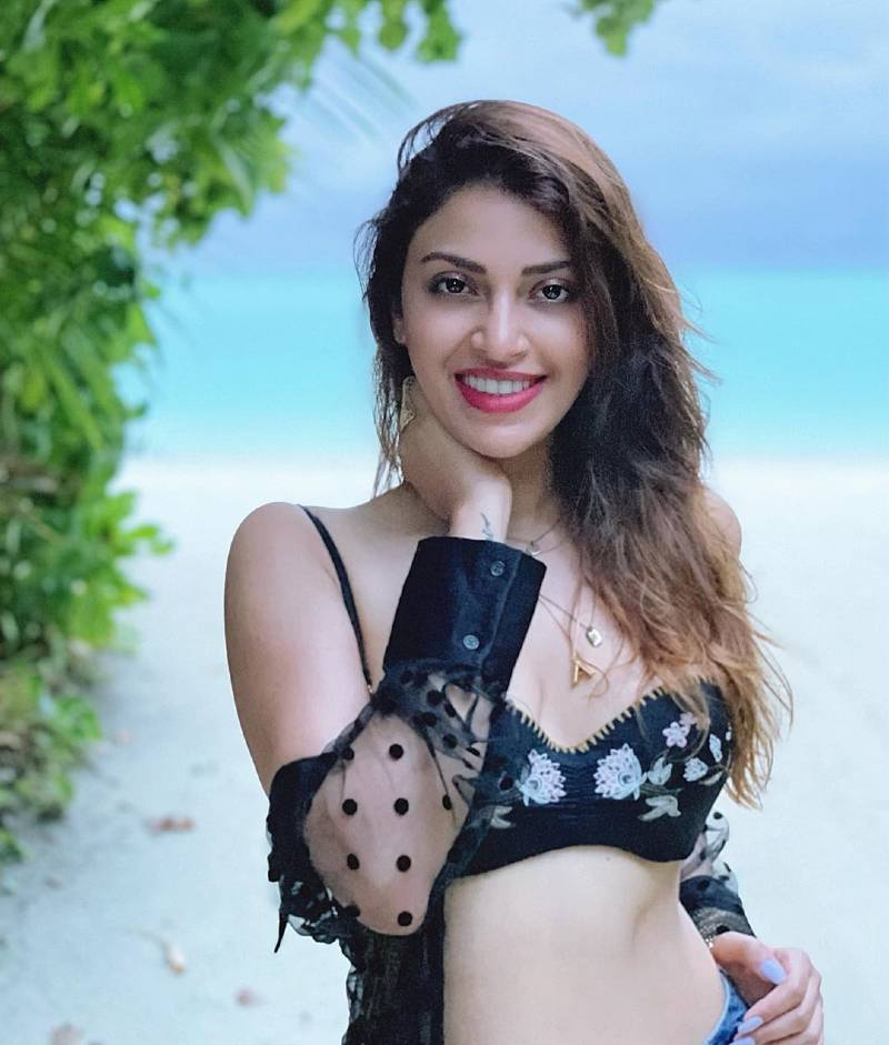anushka-ranjan-bikini-photos-soaring-the-temperature