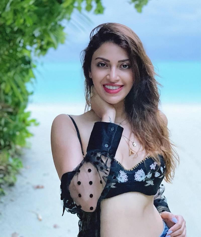 anushka-ranjan-bikini-photos-soaring-the-temperature