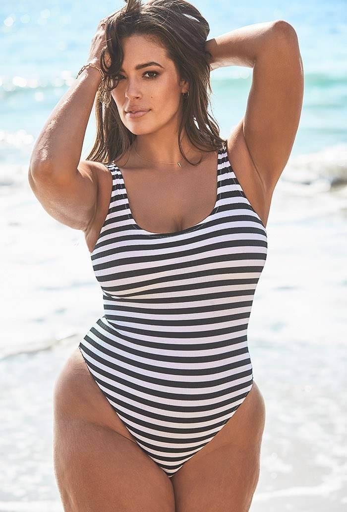 ashley-graham-latest-bikini-swimsuit-photos