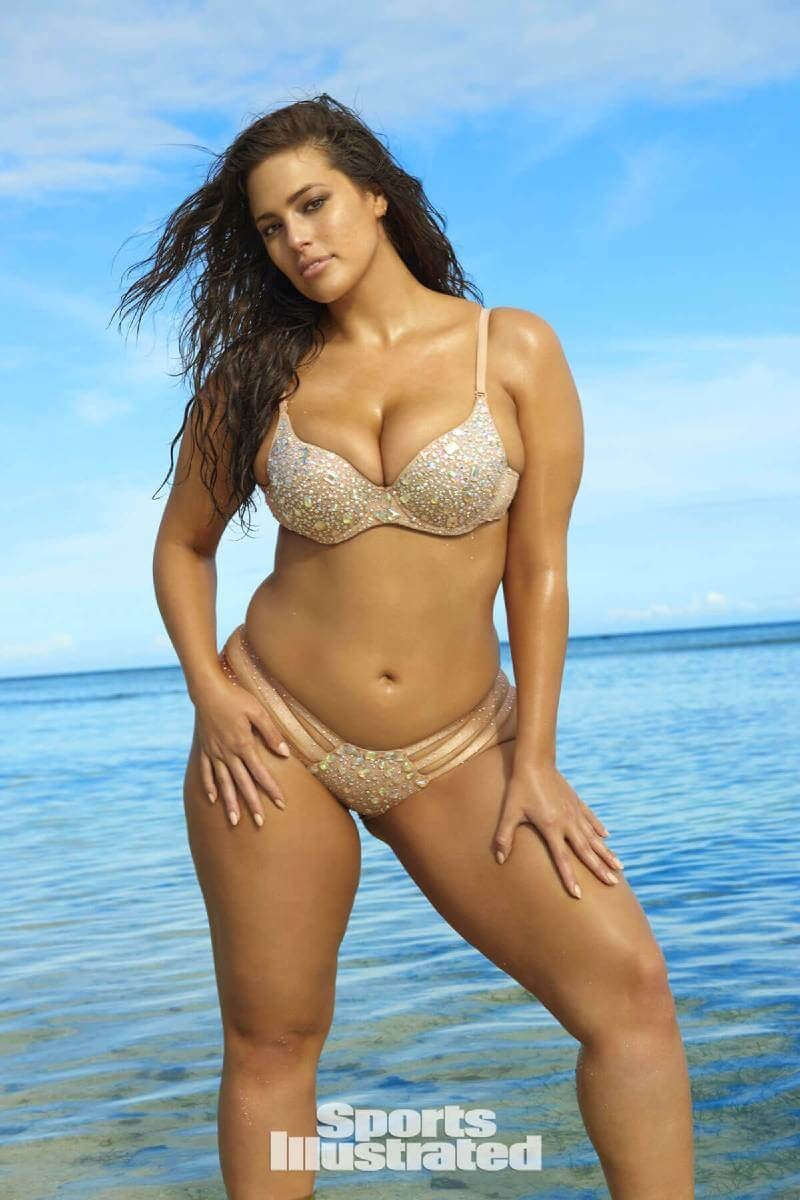 ashley-graham-stills-in-si-swimsuit-edition