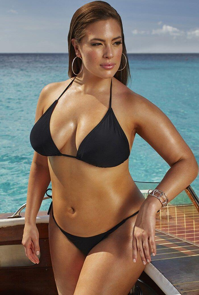 ashley-graham-swimsuit-pictures-showing-curvy-assets