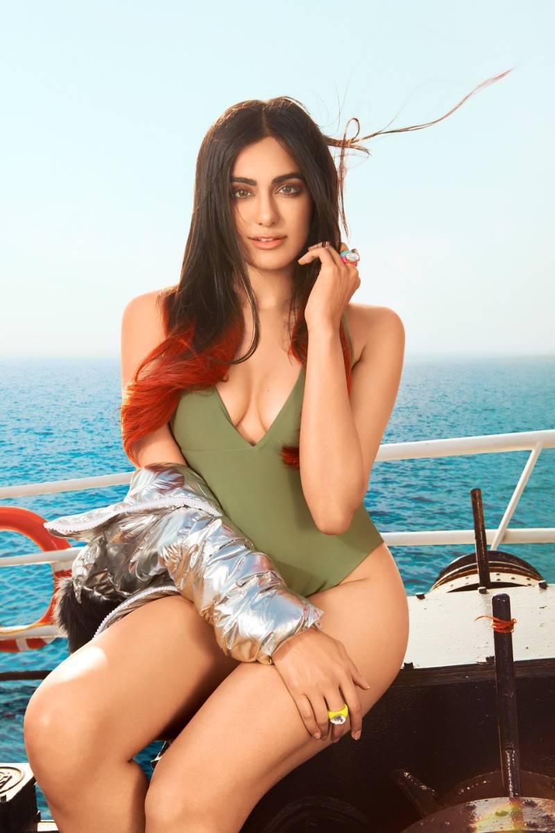 beautiful-indian-actress-adah-sharma-hot-body-in-bikini