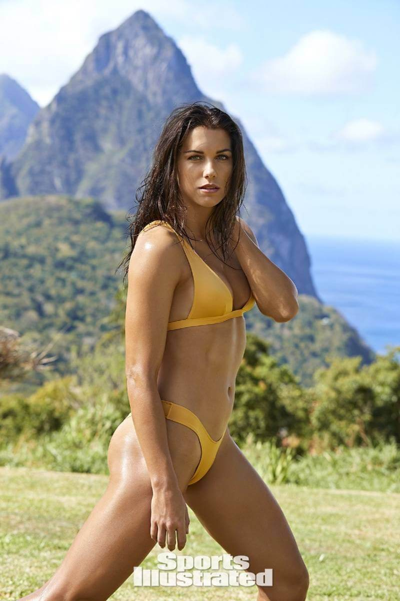 hot-sexy-alex-morgan-thong-bikini-images