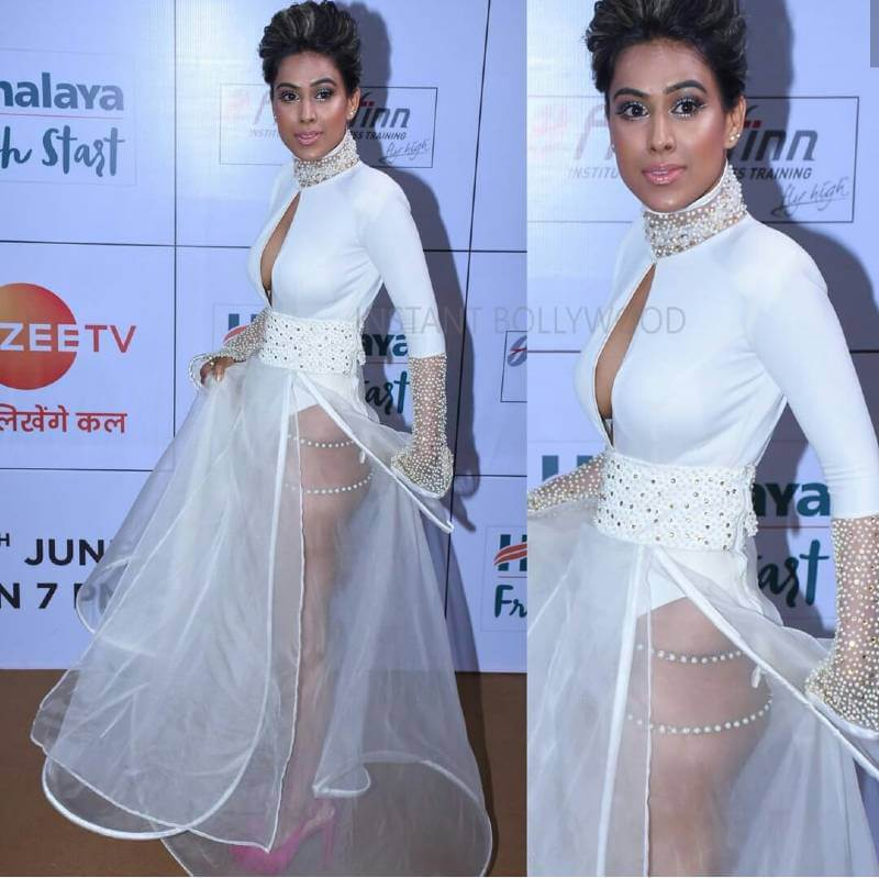 hottest-tv-actress-nia-sharma-hot-ass-show-stills-in-an-award-function