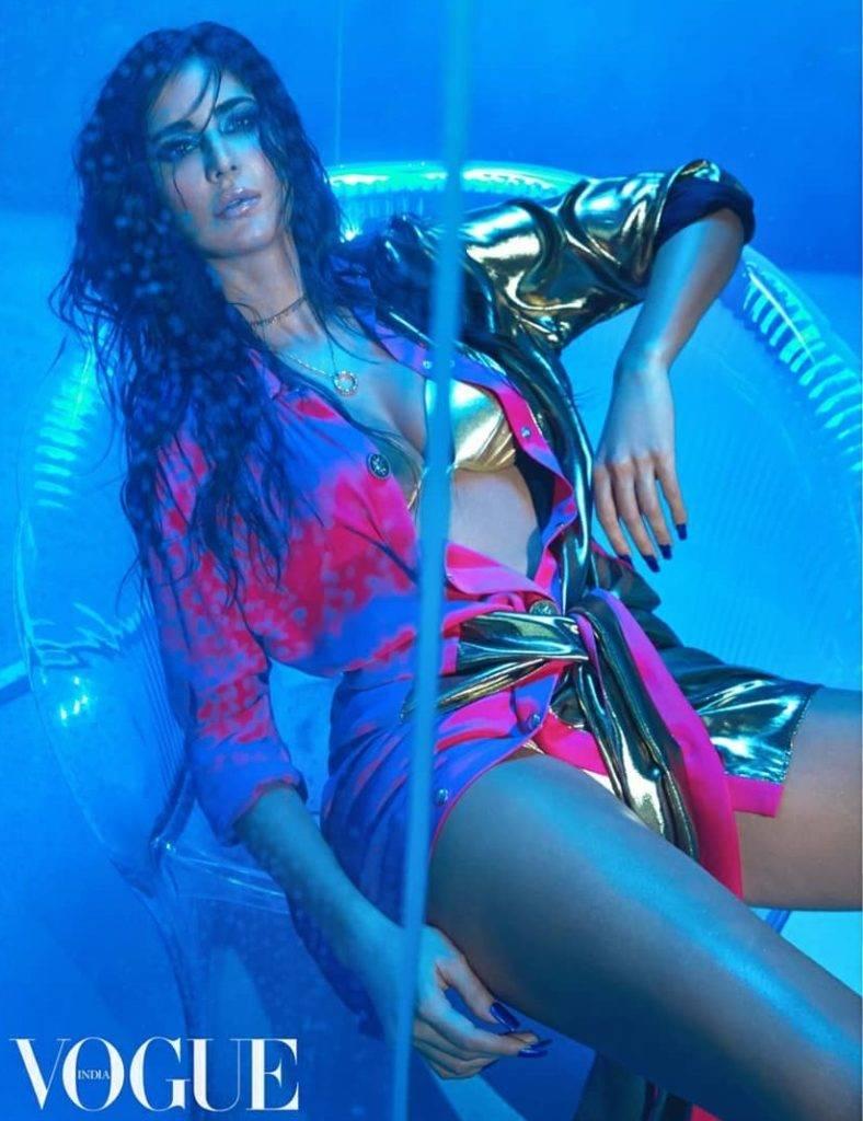 katrina-kaif-bikini-pics-show-off-her-cleavage-and-long-legs