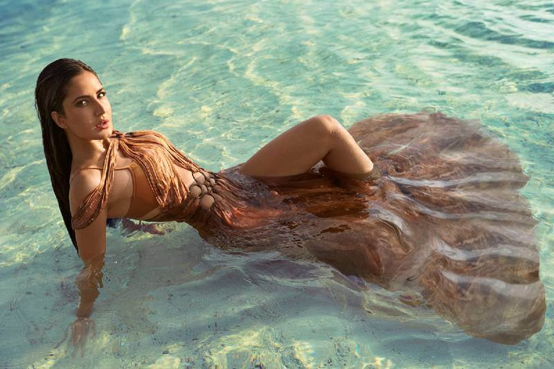 katrina-kaif-heating-up-the-water-with-her-hot-looks-in-sexy-dress-for-vogue-photoshoot