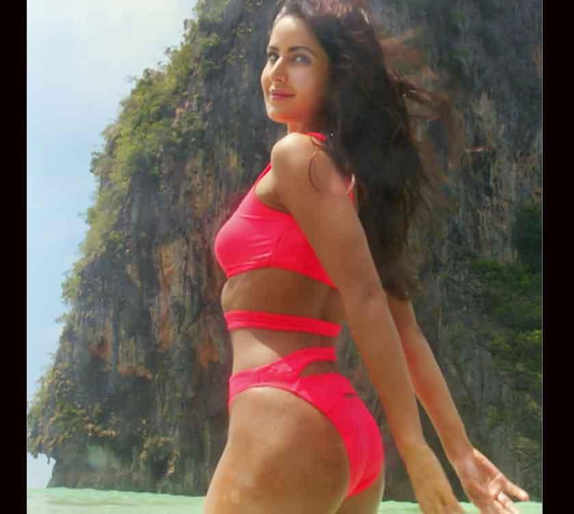 katrina-kaif-hot-figure-in-bikini