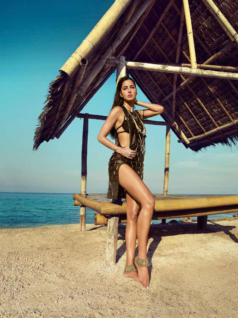 katrina-kaif-hot-pictures-on-beach-showing-her-hot-legs-in-vogue-india-shoot