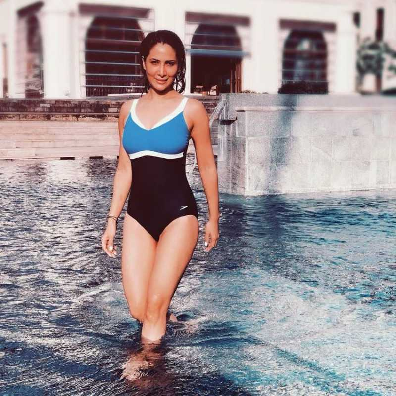 kim-sharma-latest-glamarous-bikini-photos