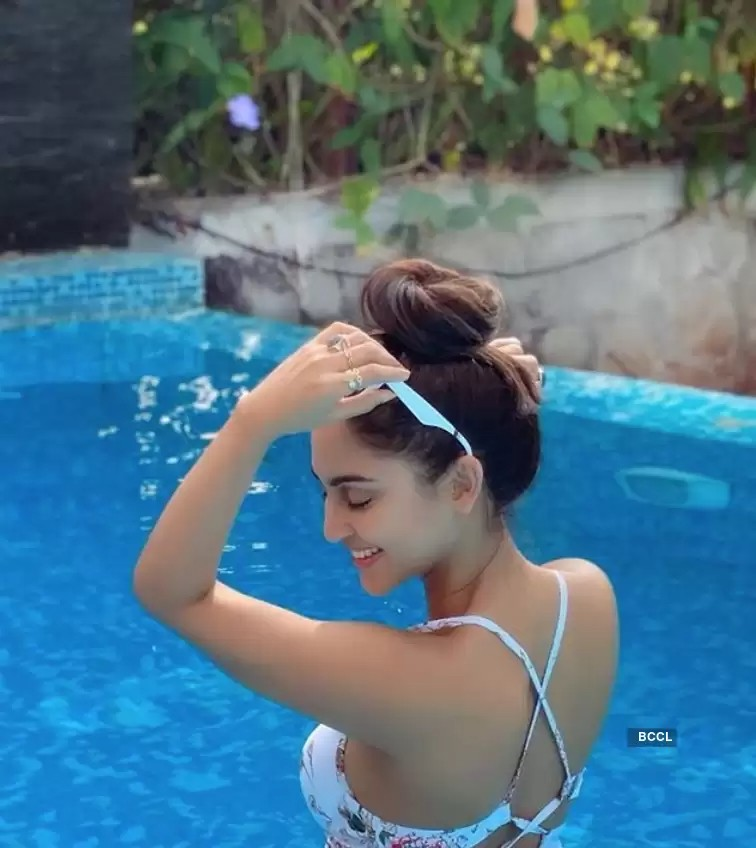 krystle-dsouza-bikini-in-pool