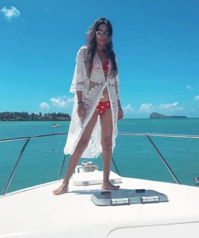 nia-sharma-in-bikini-on-yatch