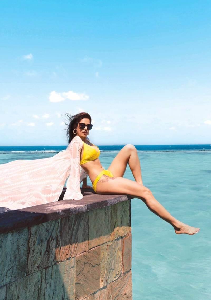 nushrat-bharucha-flaunts-her-hot-bikini-body-and-sexy-legs