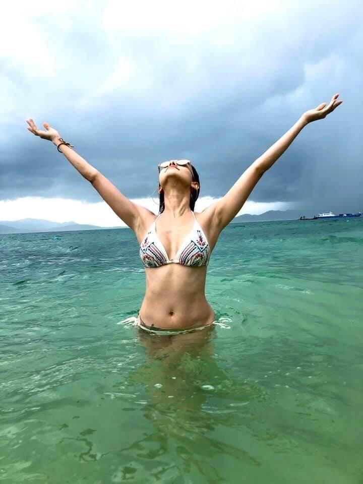 nushrat-bharucha-in-bikini-heating-up-the-sea-water