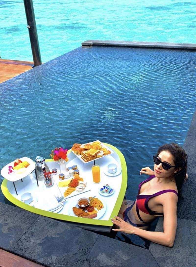 nushrat-bharucha-relaxing-in-pool-wearing-bikini