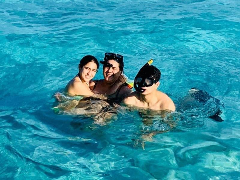 sara-ali-khan-bikini-holiday-with-brother-and-mother