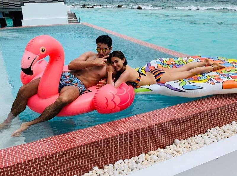 sara-ali-khan-bikini-pics-on-instagram-in-pool