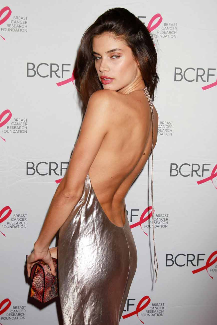 sara-sampaio-sexy-butt-pics-in-backless-dress-at-breast-cancer-research-foundation