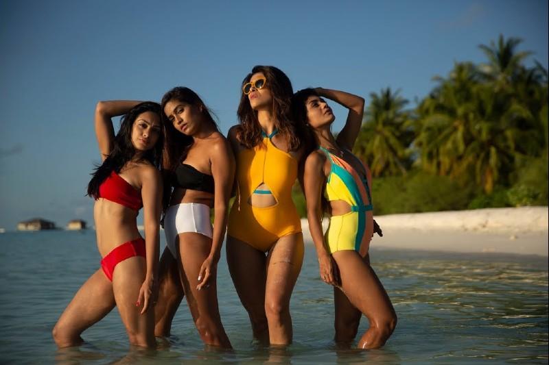 sexiest-actress-kishwer-merhcant-bikini-photoshoot-with-abigail-sreejita-de
