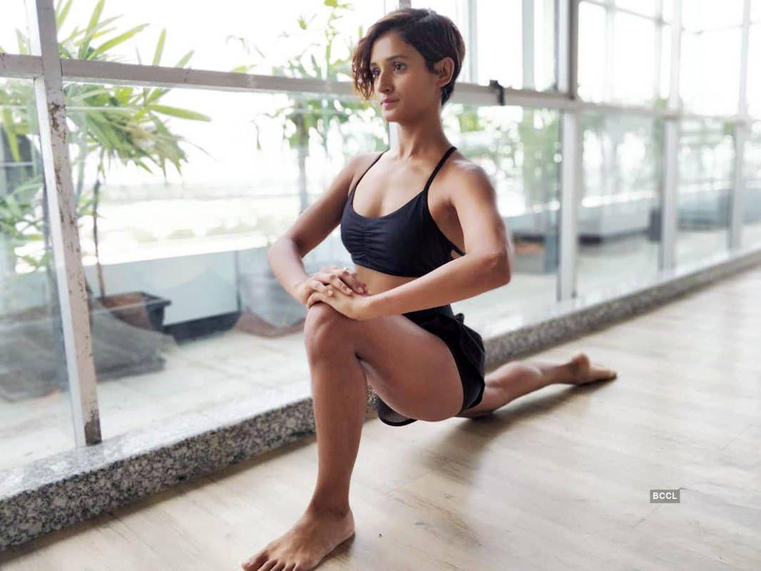 shakti-mohan-bikini-yoga-pose