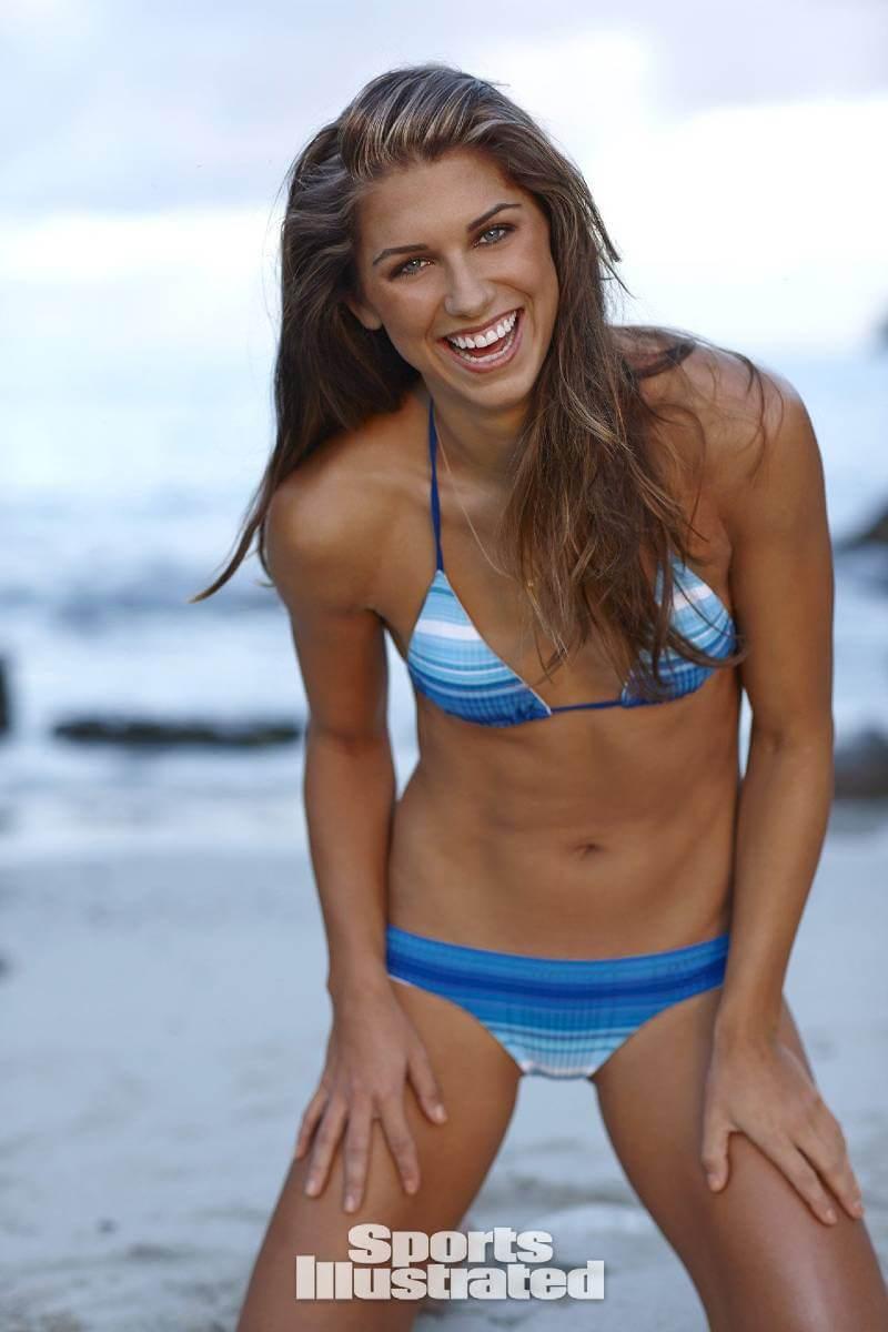 sport-illustrated-model-alex-morgan-bikini-photos-from-beach