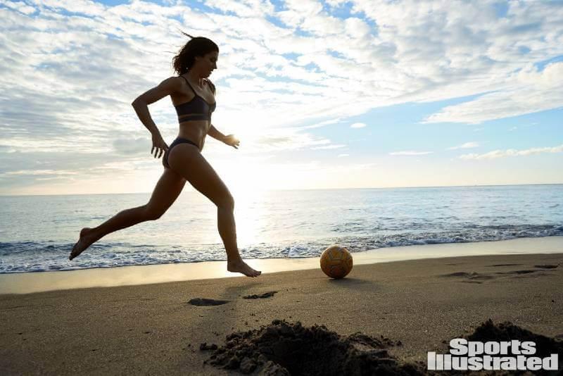 sports-illustrated-swimsuit-photos-of-alex-morgan-in-bikini