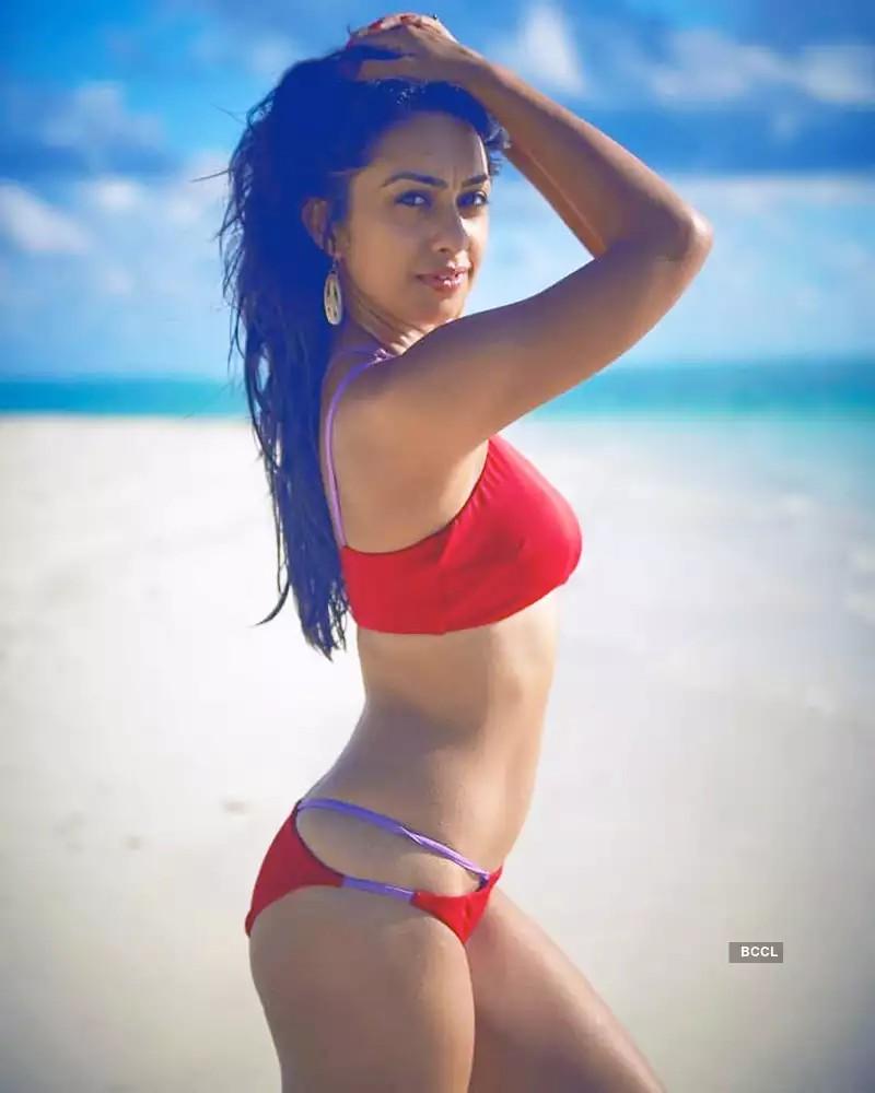 tv-actress-abigail-pande-bikini-pictures