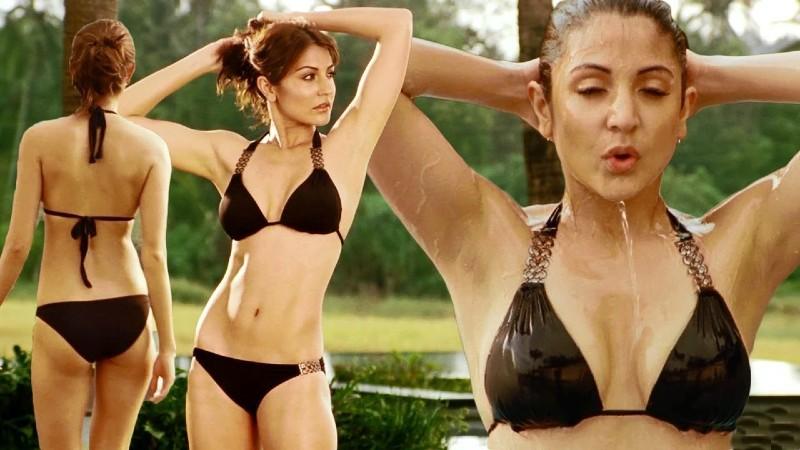 Anushka-Sharma-Bikini