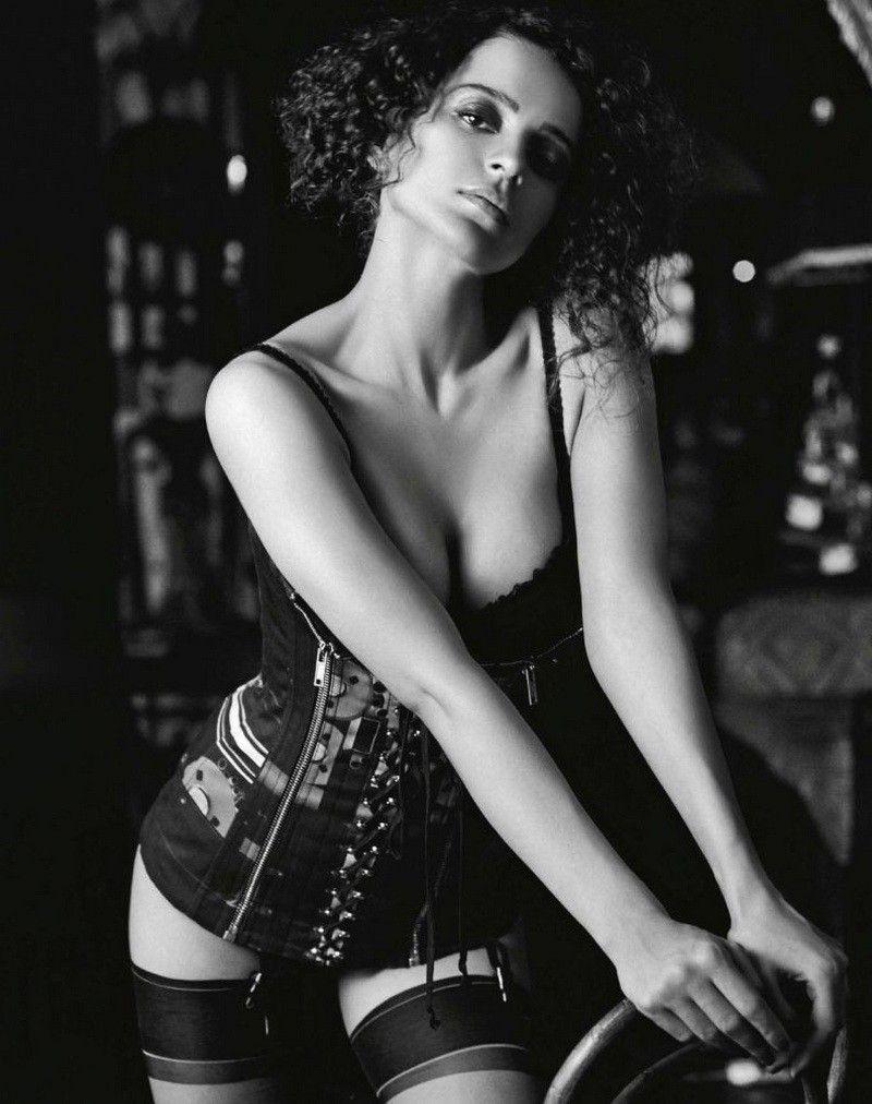 Kangana-Ranaut-bikini-lingerie-pictures-GQ-India