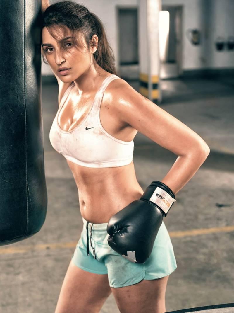 Parineeti-Chopra-bikini-bra-hot-shorts-photos
