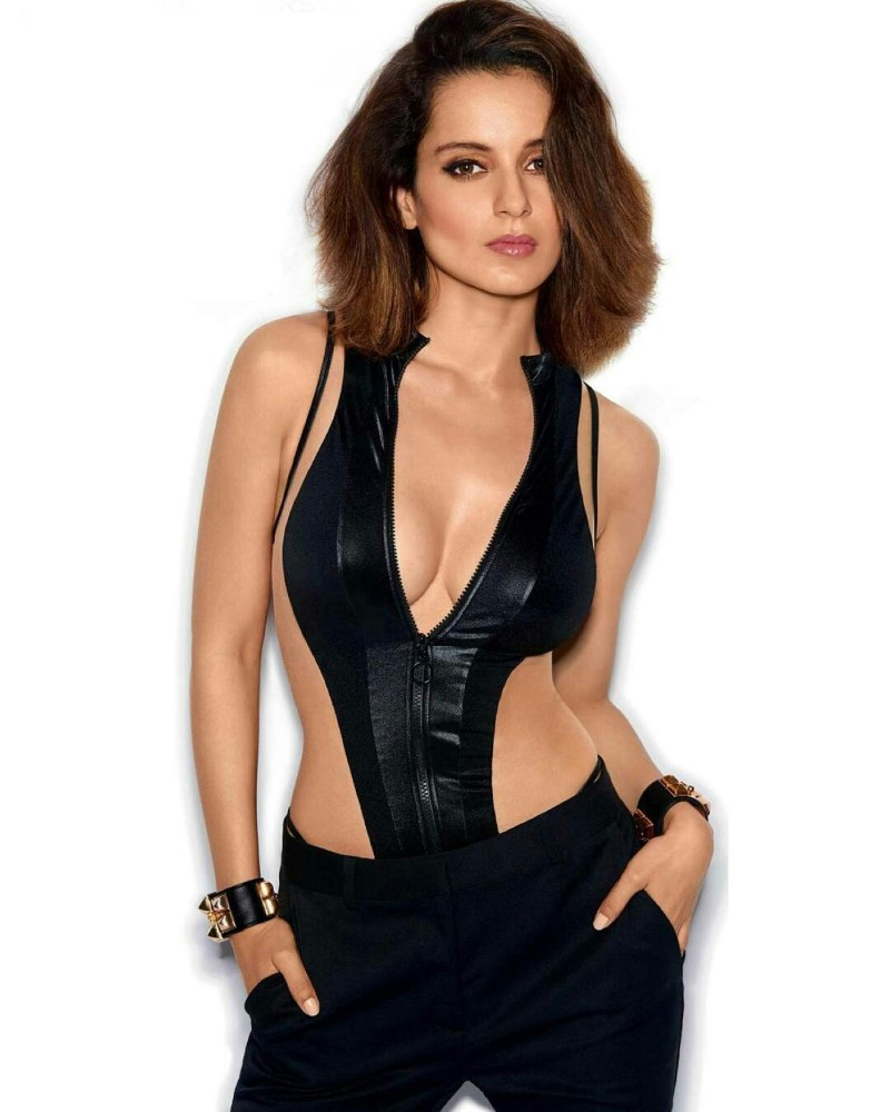 Super-Model-Kangana-Ranaut-wearing-bikini-top