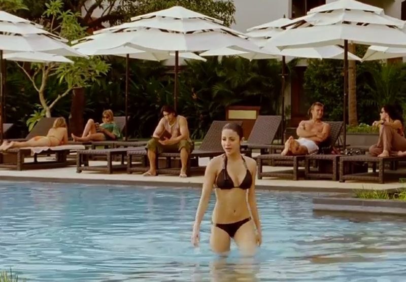 anushka-sharma-bikini-heating-up-the-pool-water