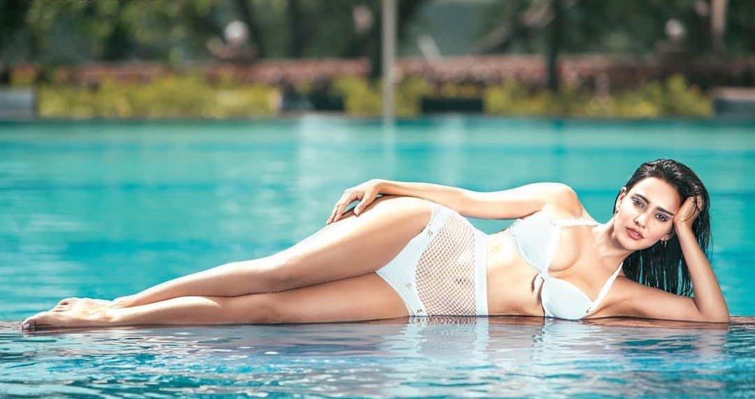 gorgeous-neha-sharma-bikini-stills-in-swimming-pool